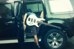 Clayton - Jakarta - Guitare en retard